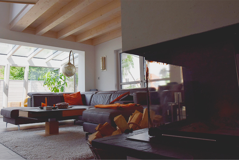 MohrHolzhaus Homestory – Couch und Kamin