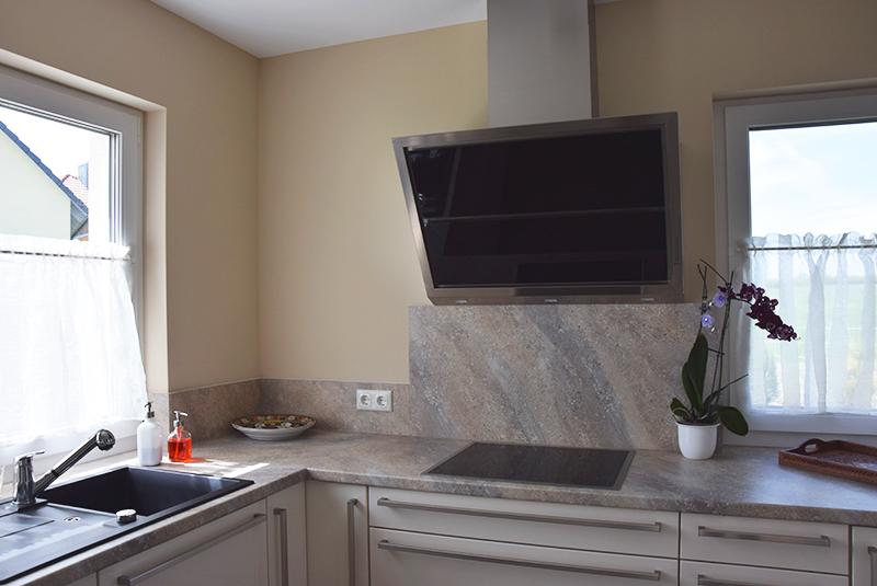 Küche mit Naturstein