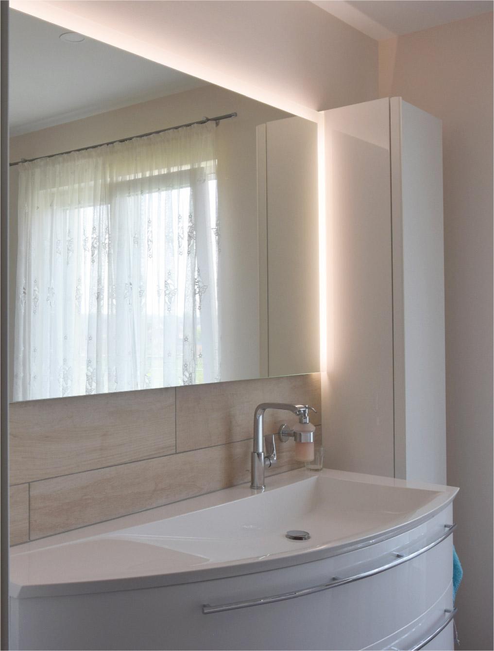 Waschtisch mit LED
