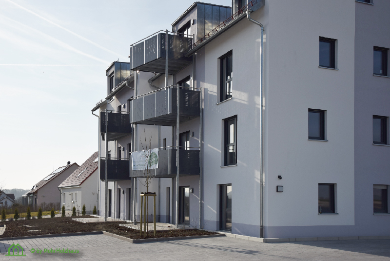 Mehrfamilienhaus mit Südbalkonen