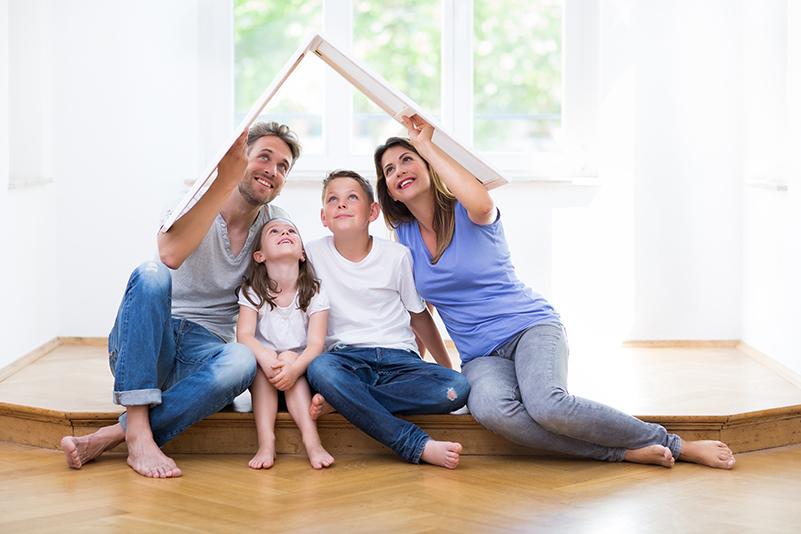 Haus bauen Familie